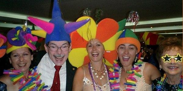 Sorprende a tus invitados sombreros_divertidos_2_600x300