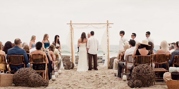 Katy & Chad: una boda rústica ¡en la playa! katy_y_chad_playa_5_600x300