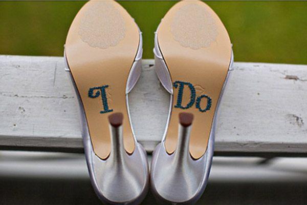 Zapatos de novia con mensaje zapatos_mensaje_1_600x400