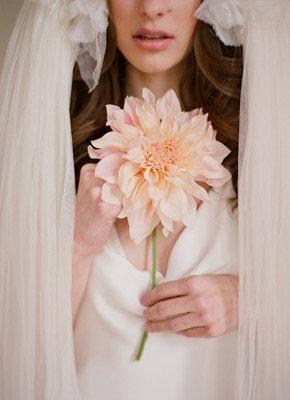 Vestidos de novia con aire parisino manivet_8_290x400