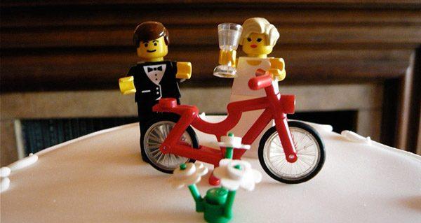 Figuras de Lego en tu pastel de boda lego_8_600x319