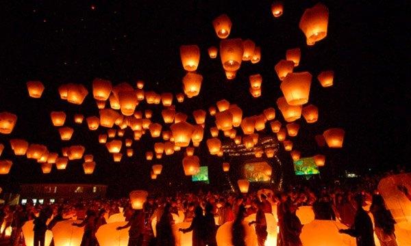 Deseos que vuelan lamparas_voladoras_5_600x360