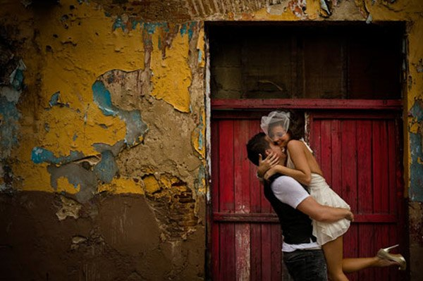 Frances & Jimi: improvisado trash the dress frances_y_jimi_1_600x399