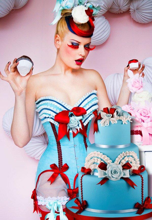 Corsés y pastel de bodas: una combinación perfecta maya_hansen_3_600x868