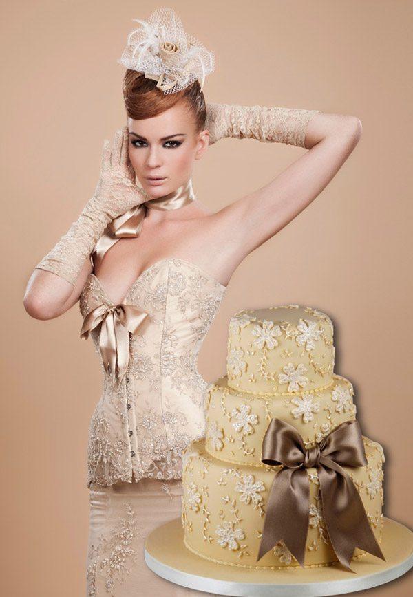 Corsés y pastel de bodas: una combinación perfecta maya_hansen_8_600x868