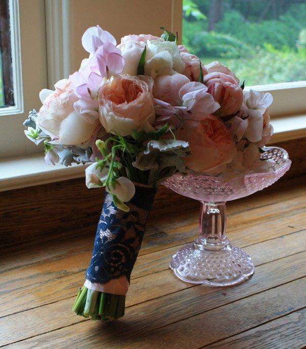 La flor que Romeo regaló a Julieta juliet_roses_7_600x684