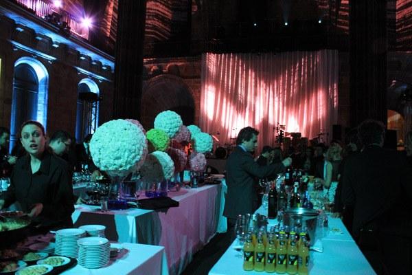 Flores y colores en la fiesta de Rosa Clará rosa_clara_party_11_600x400