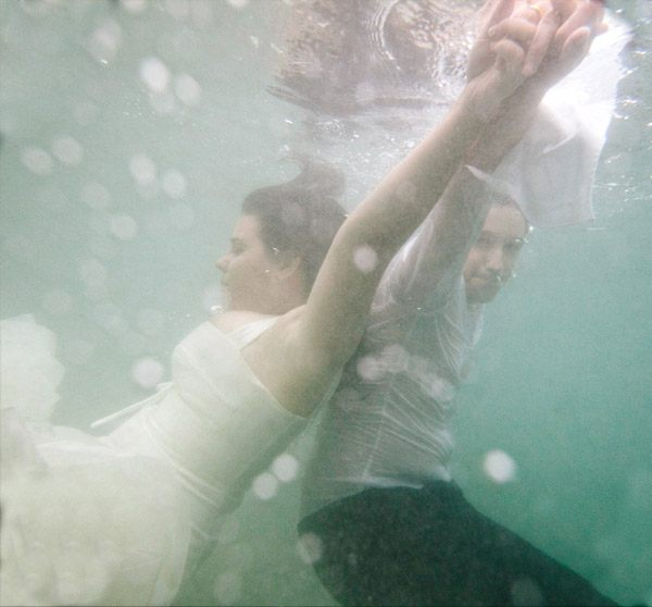 Lorena & Pepe: trash the dress lorena_y_pepe_12_600x558