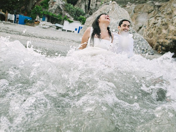 Lorena & Pepe: trash the dress lorena_y_pepe_8_600x450