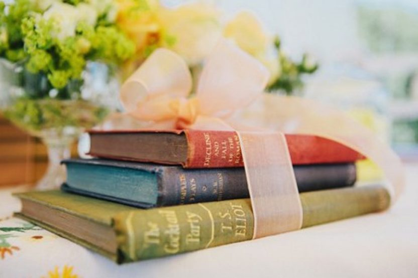 Regalar libros antiguos blog de bodas de una boda original for Libros para regalar