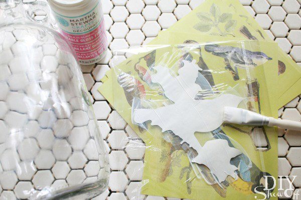 Diy: decoupage en botellas de cristal deco_botellas_5_600x398