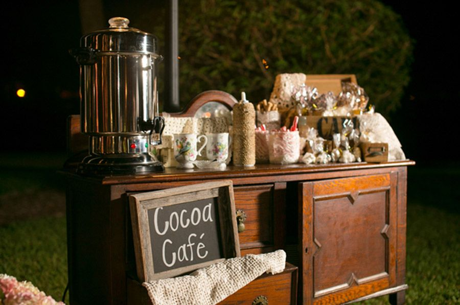 HOT CHOCOLATE BAR hot_chocolate_14_900x597