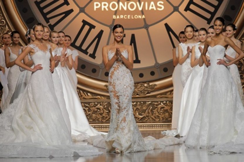PRONOVIAS FASHION SHOW 2016: ONCE UPON A TIME
