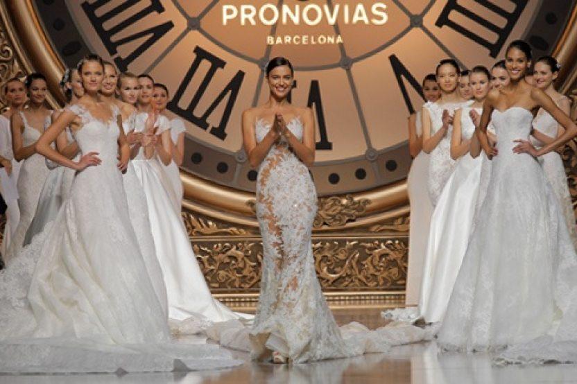 PRONOVIAS FASHION SHOW 2016: ONCE UPON A TIME
