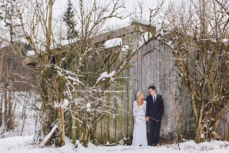 SARAH & IAN: BODA BOHEMIA EN LA NIEVE novia-bohemia-nieve