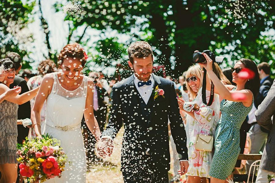 ELI & SANTI: UNA BODA MUY FAMILIAR bodas-en-familia