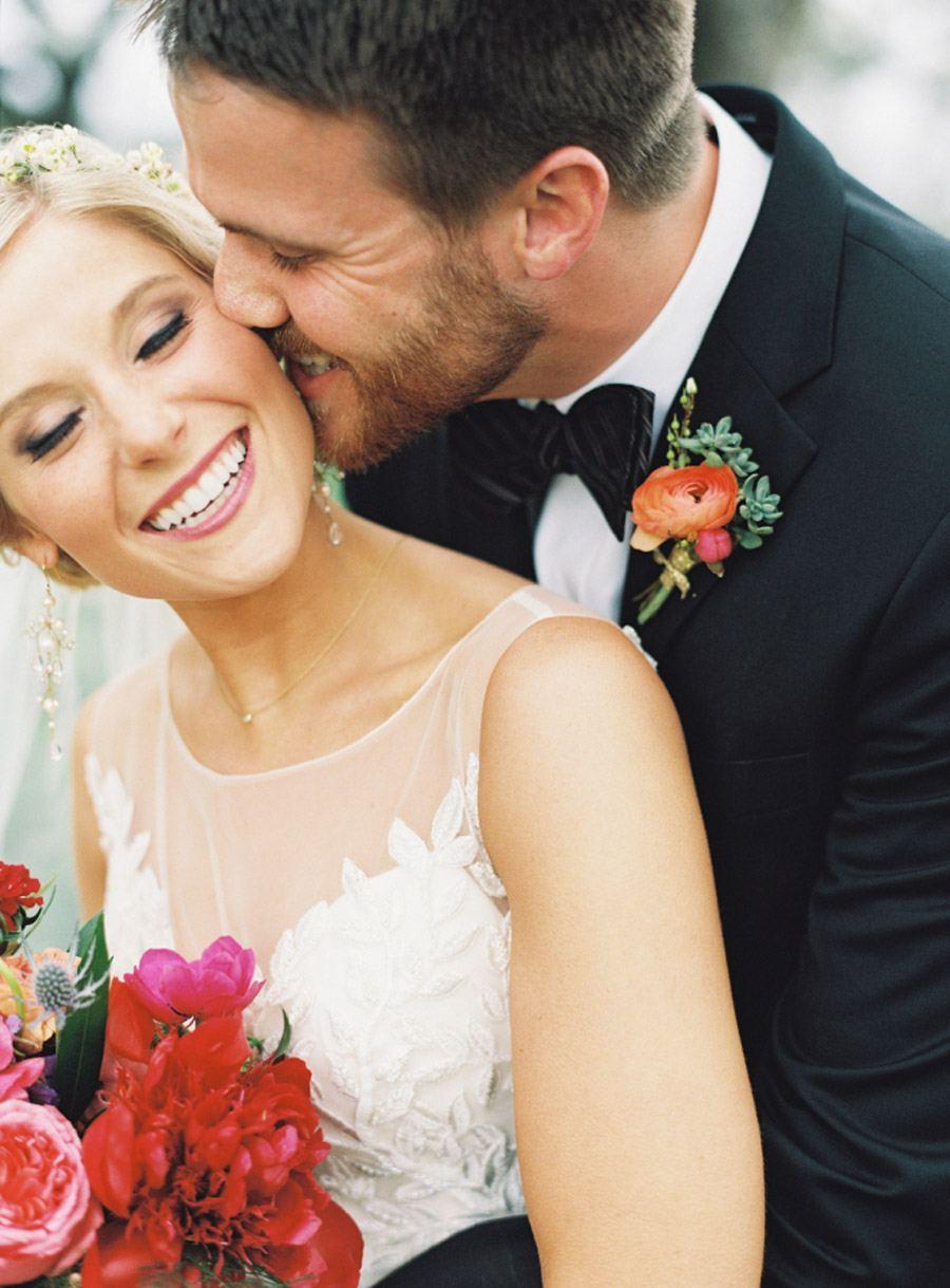 BESOS ENAMORADOS beso-en-boda