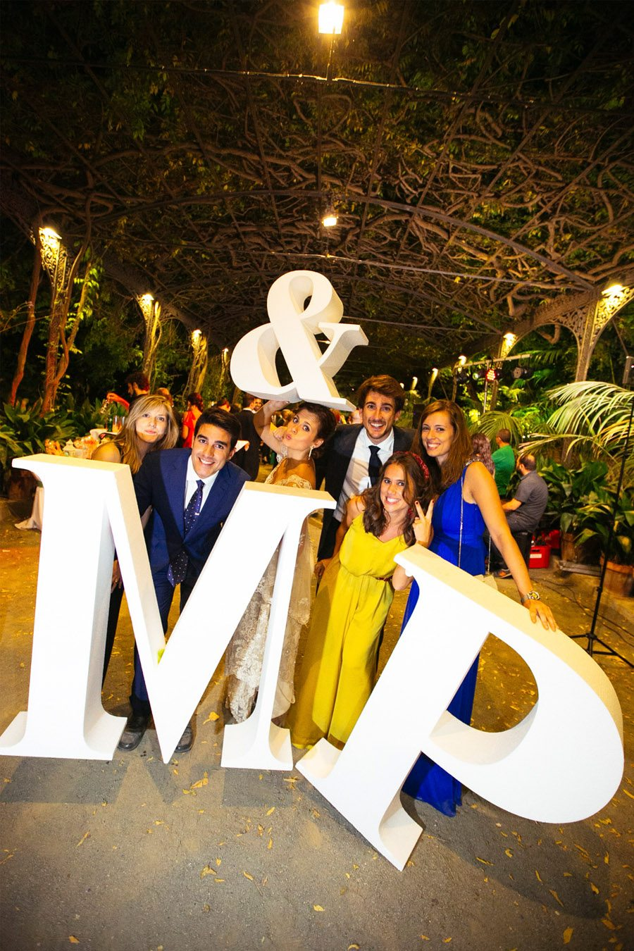 MACARENA & PABLO: UNA NOCHE DE VERANO photocall-boda