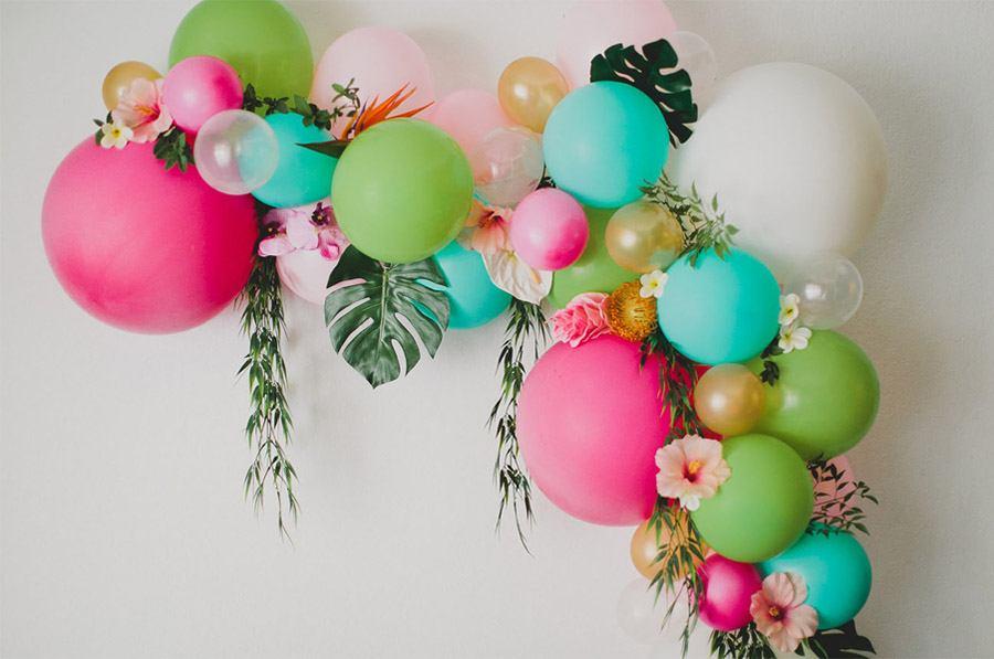 DIY ARCO CON FLORES Y GLOBOS arco-flores-y-globos