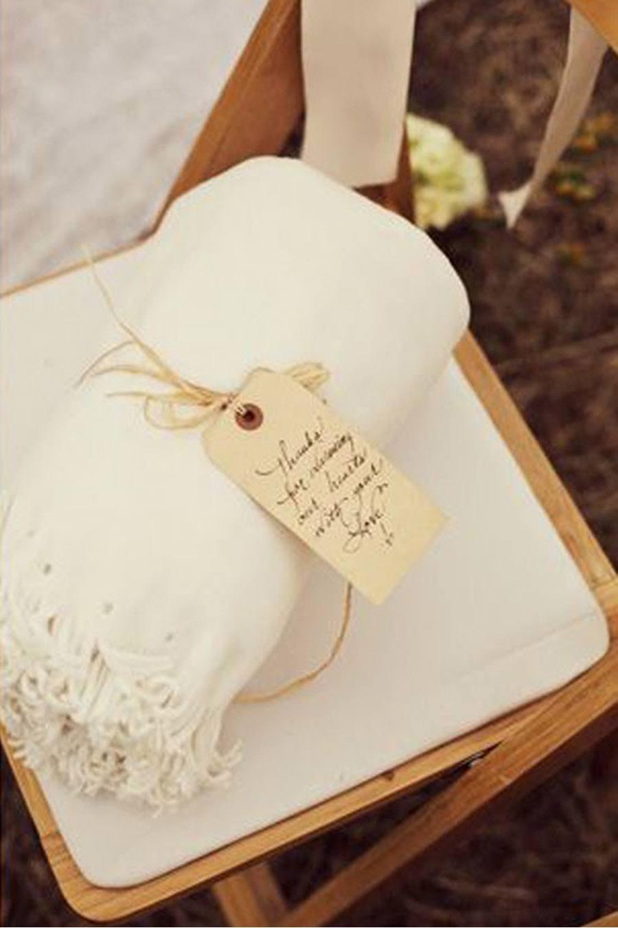 MANTAS PARA LOS INVITADOS boda-de-invierno