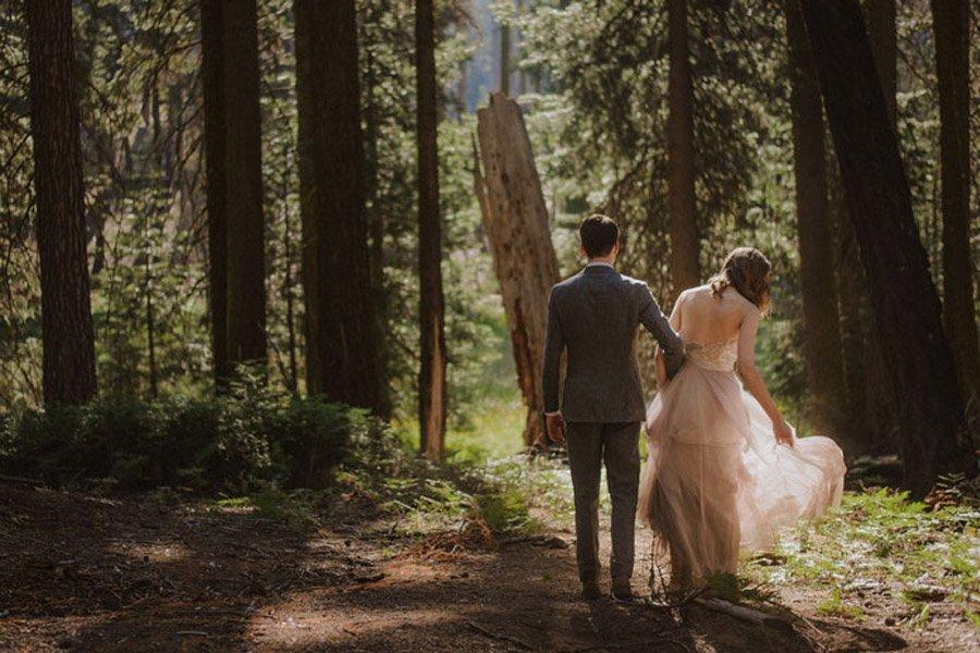 JULIA & JEFFREY: UNA SENCILLA BODA EN EL BOSQUE boda-en-bosque