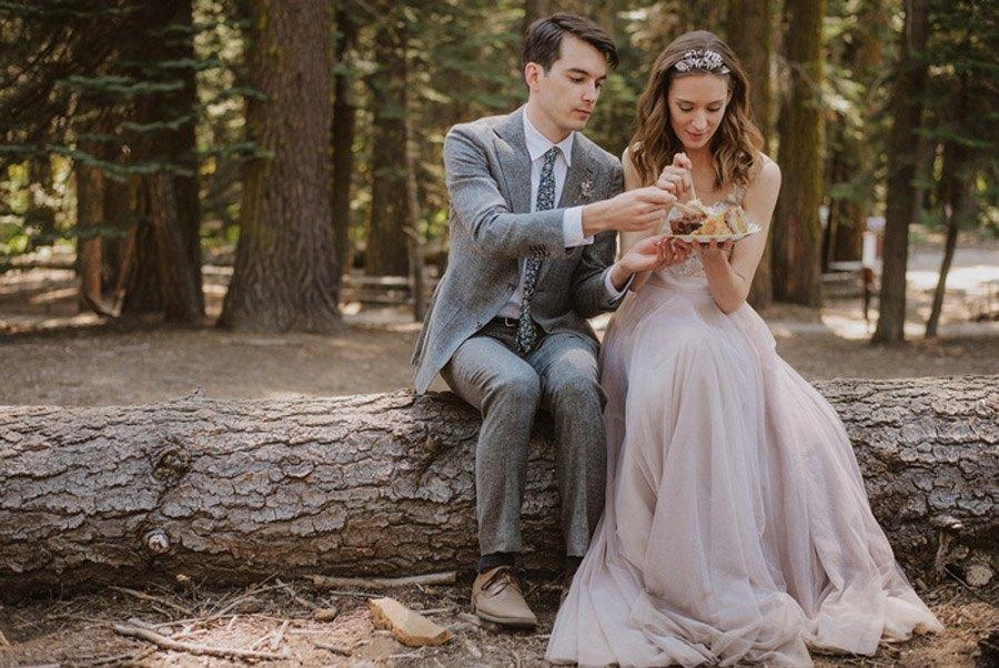JULIA & JEFFREY: UNA SENCILLA BODA EN EL BOSQUE picnic-de-boda