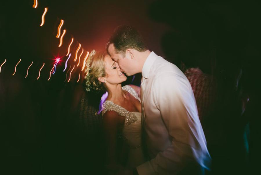 ALEXANDRA & JARED: UNA BODA MUY FAMILIAR fiesta-boda
