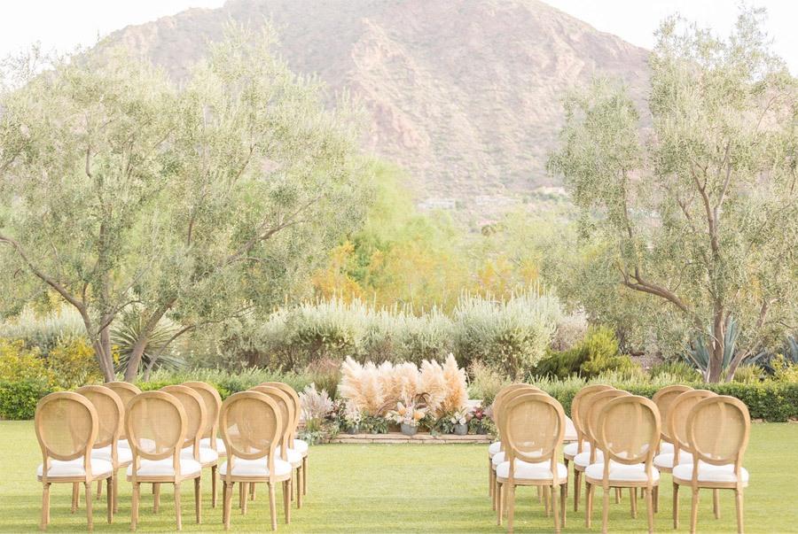 NUEVA TENDENCIA: PLUMEROS boda-con-plumeros