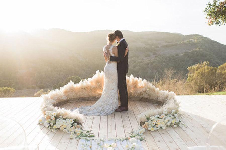 NUEVA TENDENCIA: PLUMEROS bodas-con-plumeros2