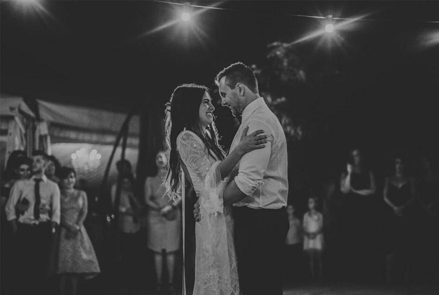 AMY & ADAM: LA CALMA DE LA FELICIDAD baile-boda