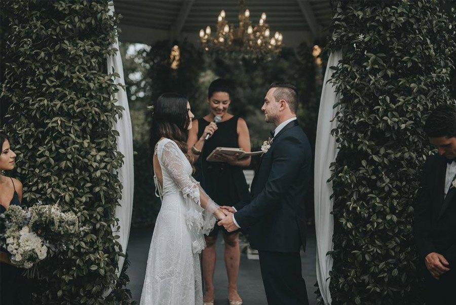 AMY & ADAM: LA CALMA DE LA FELICIDAD ceremonia-boda