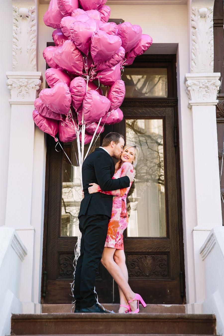 SORPRESA EN SAN VALENTÍN enamorados-san-valentin