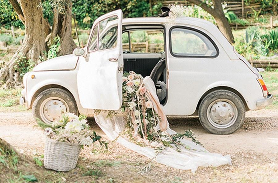 LLEGAR A TU BODA EN UN 600 seiscientos-coche-boda