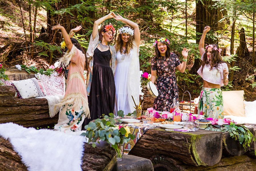 BOHO BRIDAL PARTY wedding-party-boho