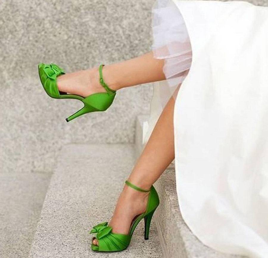 ZAPATOS DE NOVIA CON COLOR novia-zapato-de-colores