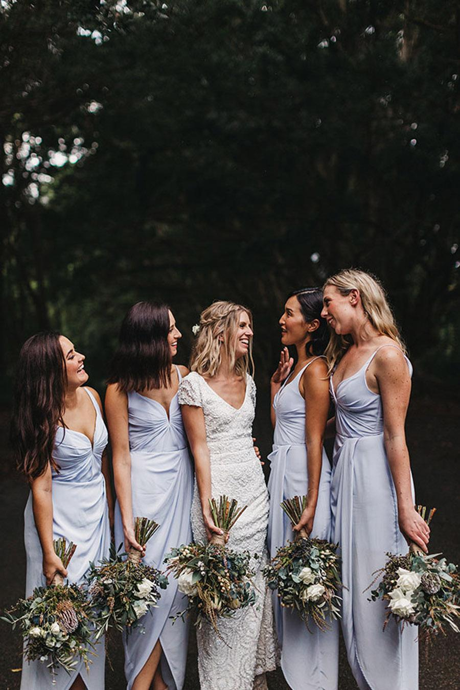LAURA & BRICE: FELICIDAD damas-boda