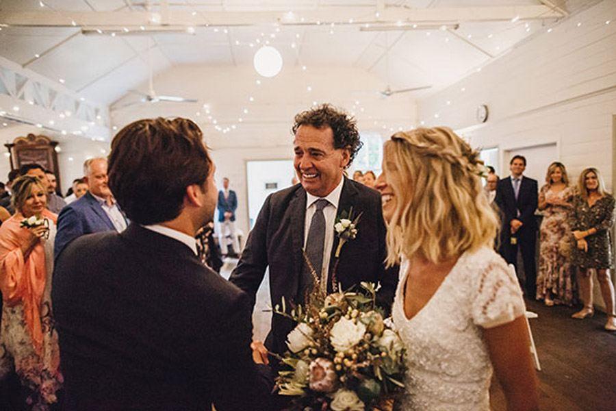 LAURA & BRICE: FELICIDAD novios-boda