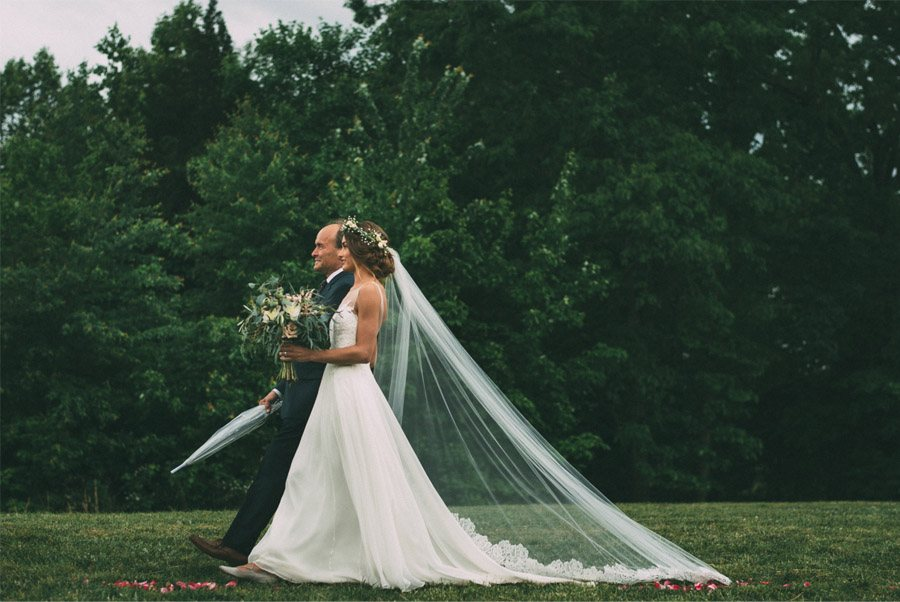BODA LLUVIOSA, NOVIA DICHOSA boda-con-paraguas