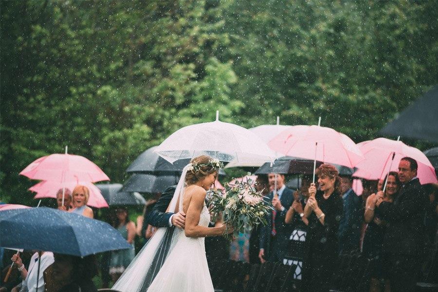 BODA LLUVIOSA, NOVIA DICHOSA boda-lluviosa