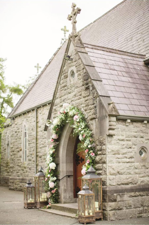 DECORACIÓN DE ENTRADA A LA IGLESIA decoracion-boda-iglesia