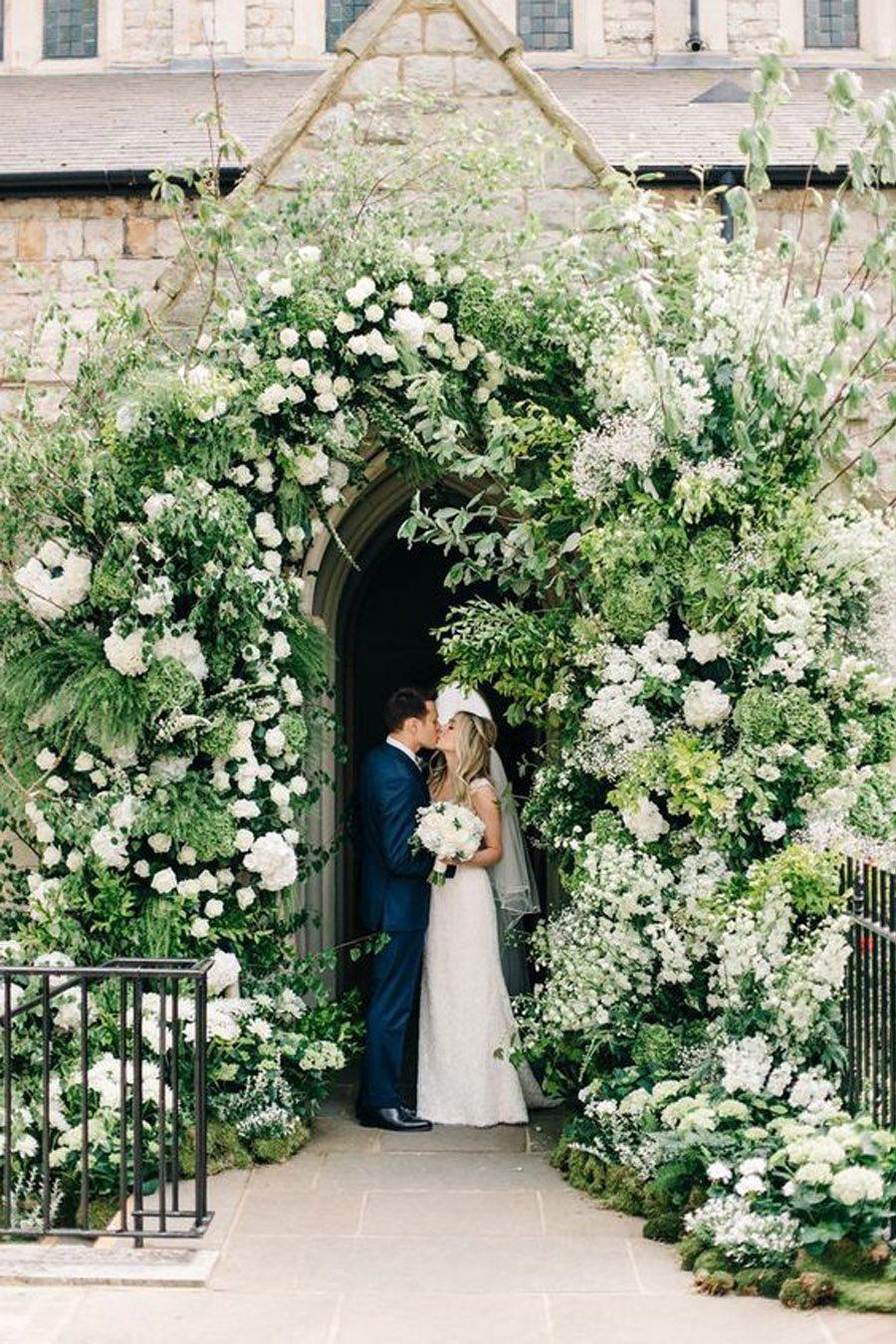 DECORACIÓN DE ENTRADA A LA IGLESIA iglesia-deco-boda