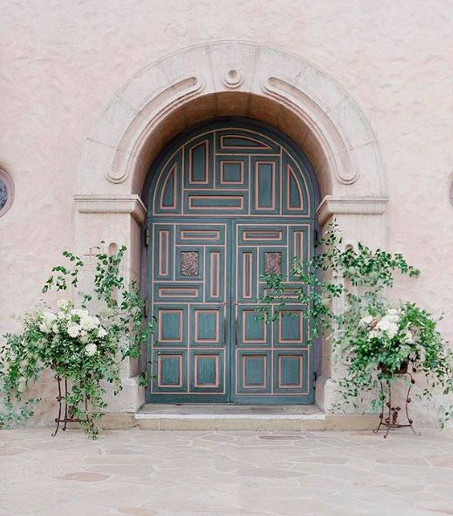 DECORACIÓN DE ENTRADA A LA IGLESIA iglesias-decoracion-boda