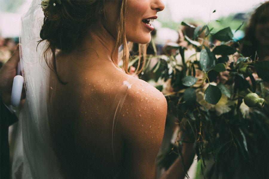 BODA LLUVIOSA, NOVIA DICHOSA novia-lluvia