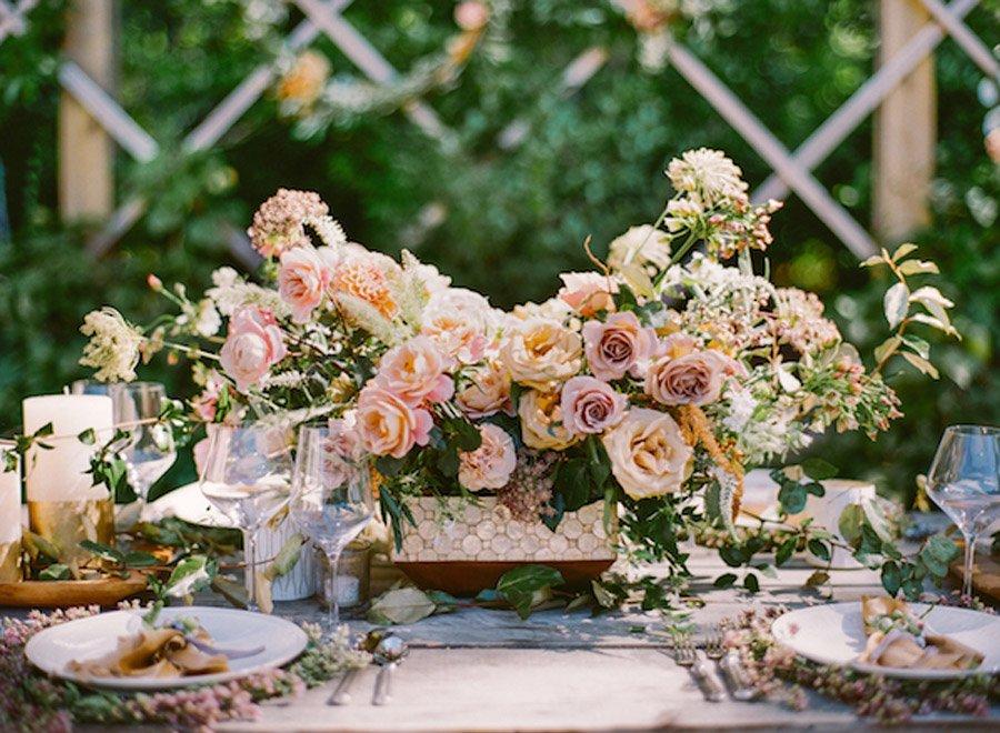 NOSTÁLGICA DECORACIÓN DE MESA rosas-decoracion-boda