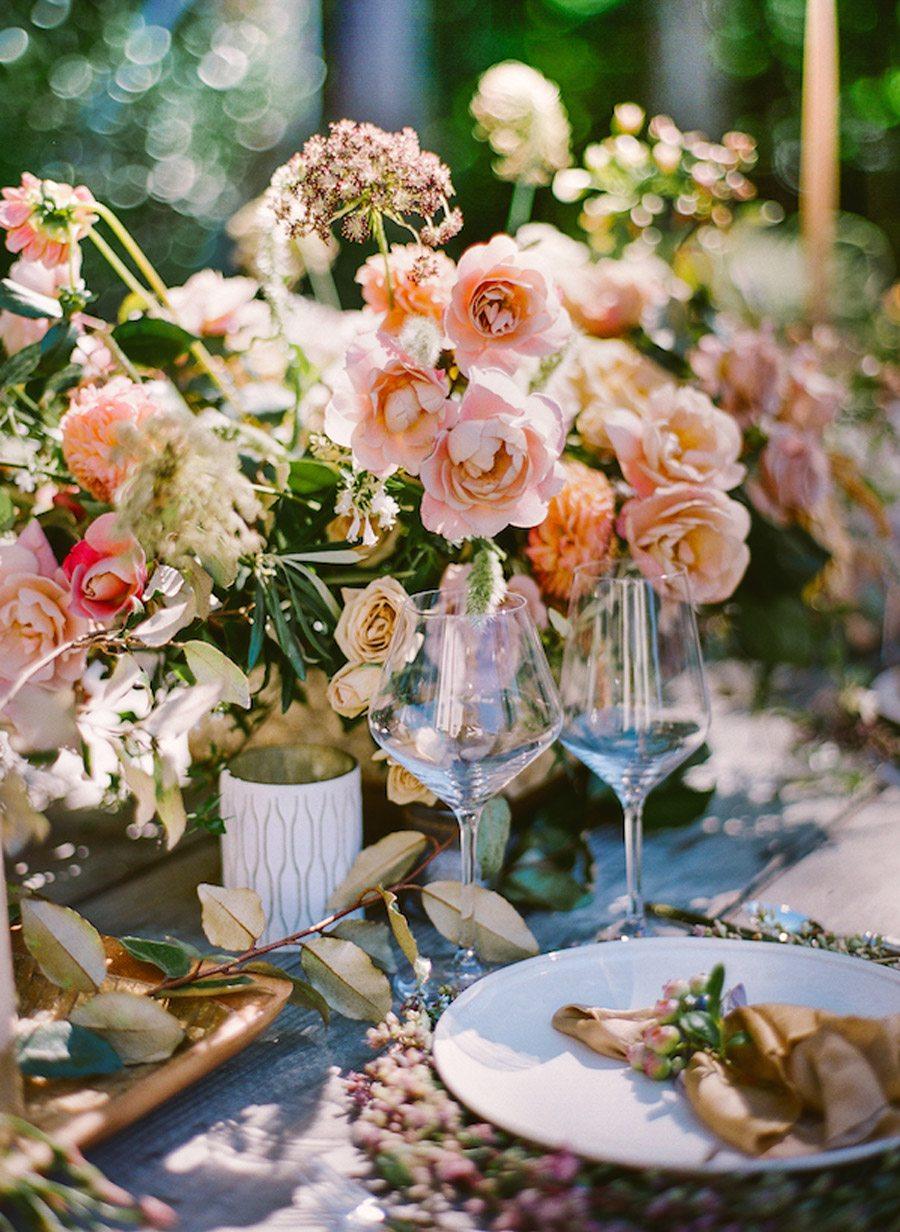 NOSTÁLGICA DECORACIÓN DE MESA rosas-decoracion-mesa