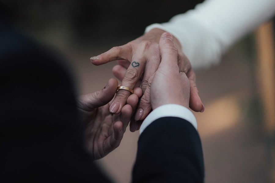 UNA BODA ÍNTIMA EN PORTUGAL alianzas-boda