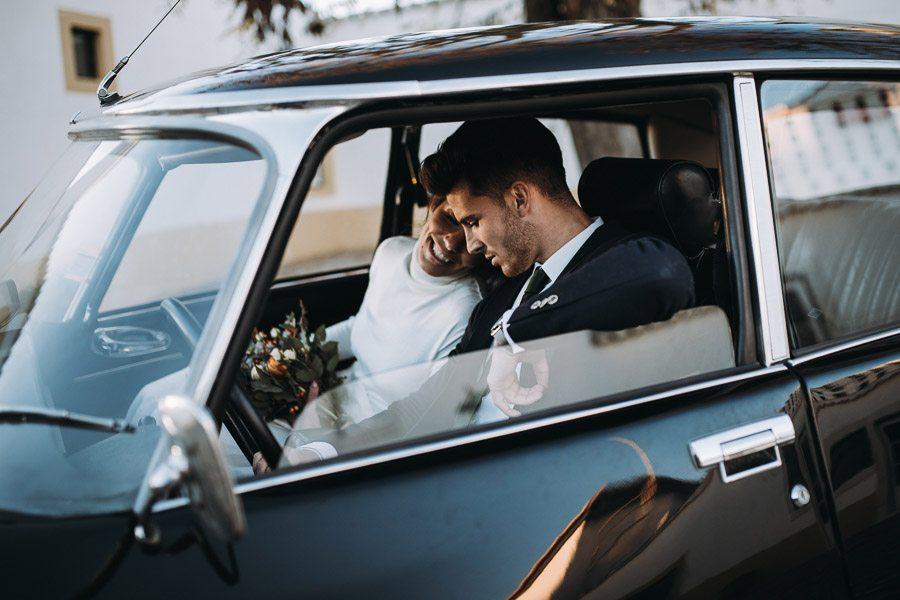 UNA BODA ÍNTIMA EN PORTUGAL boda-coche