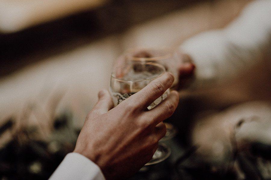 UNA BODA ÍNTIMA EN PORTUGAL brindis-boda