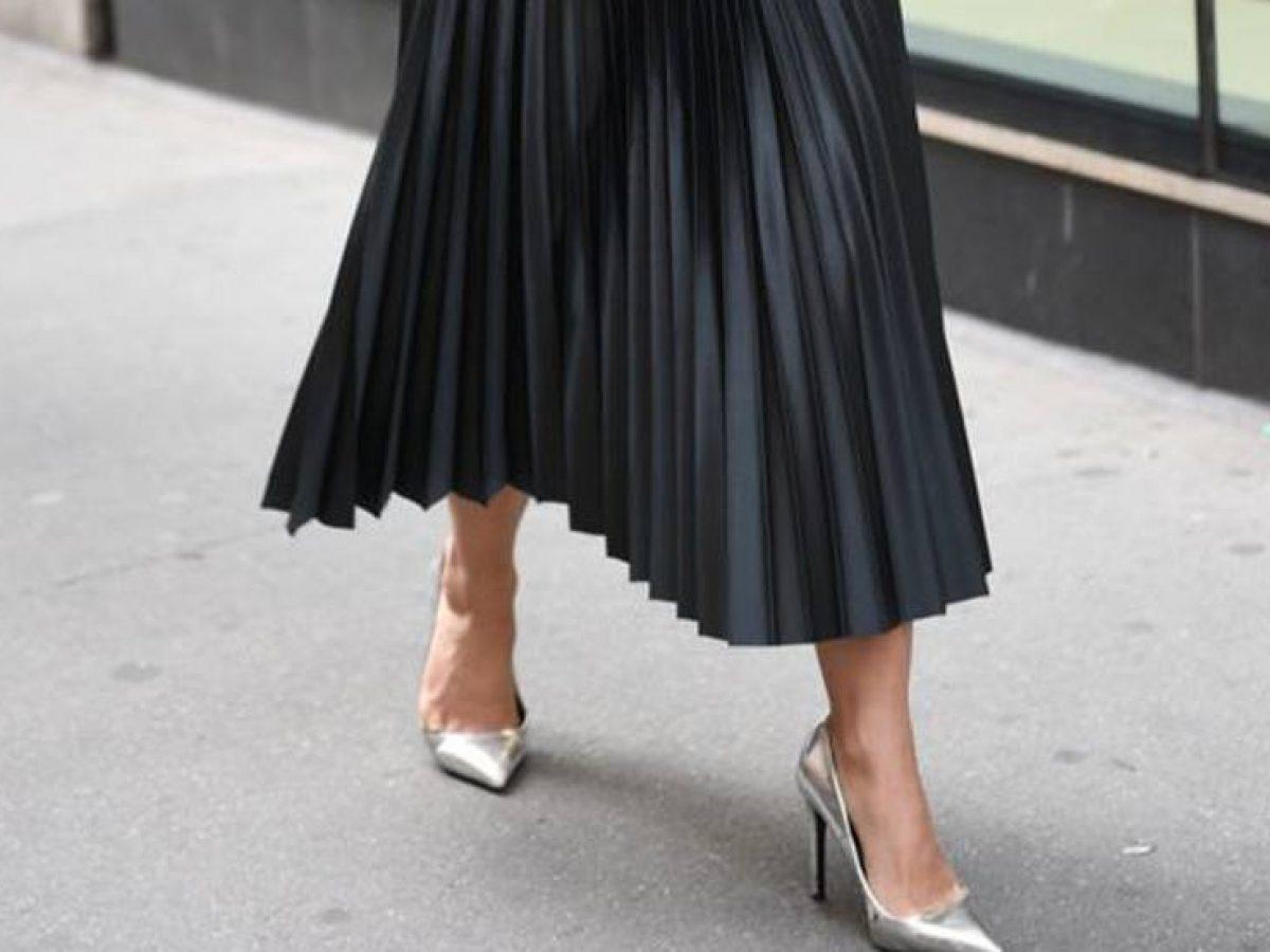 Falda plisada: cómo combinarla para invitadas |