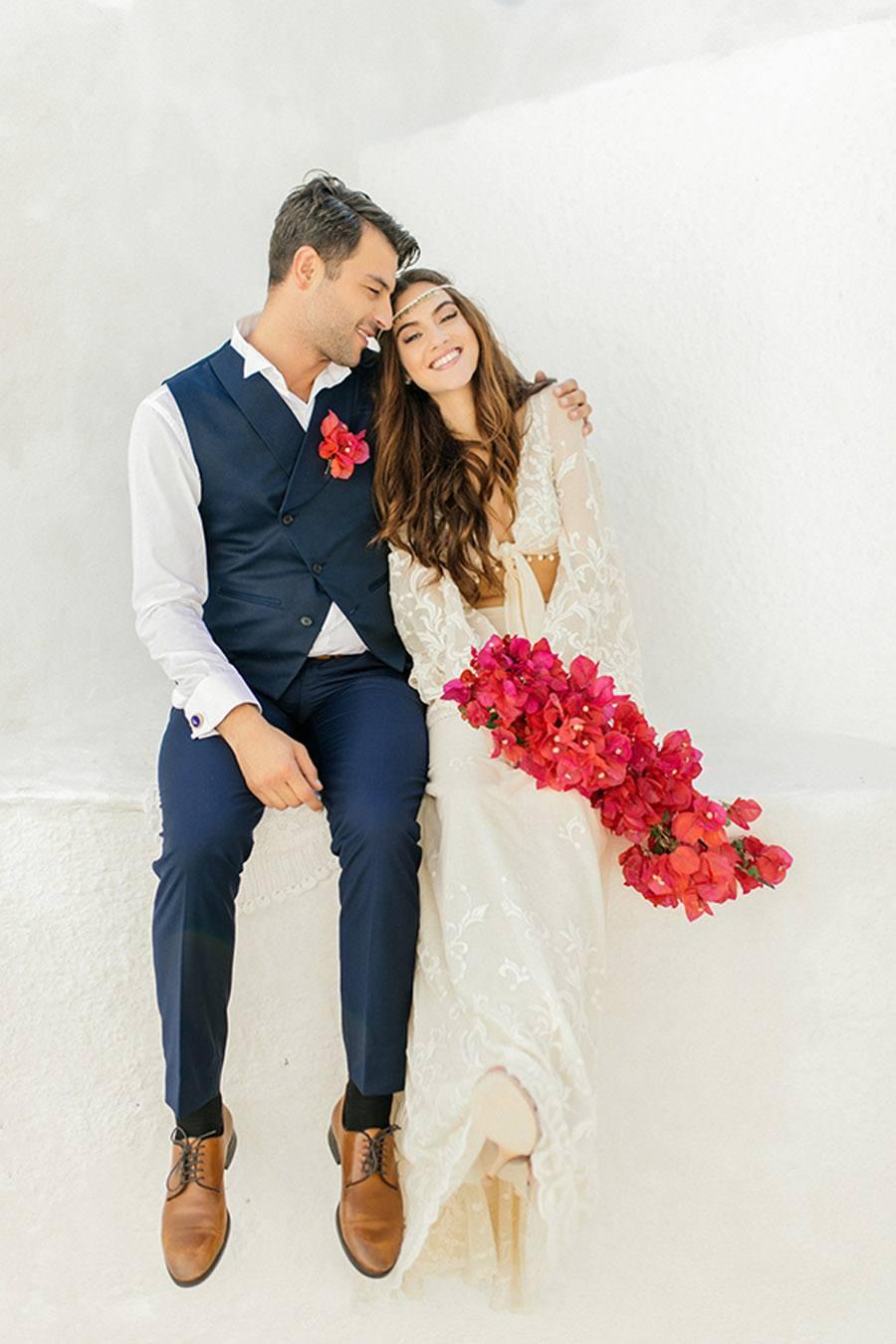 UNA BODA GRIEGA JUNTO AL MAR novios-boda-boho
